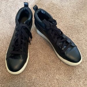 Mossimo Black Perforated Wedge Sneakers Sz 7.5